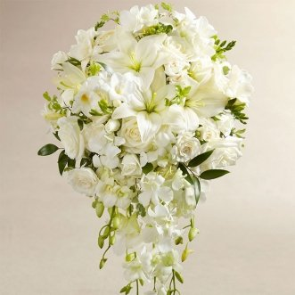 Букет невесты из лилий и кустовых роз «Океан цветов»