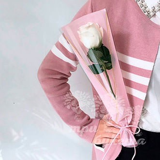 Мини-букет из белой розы