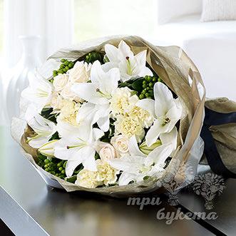 Букет из восточной лилии и роз