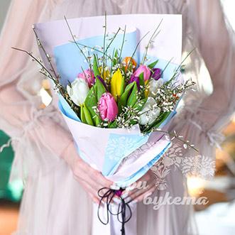 Букет на 8 марта из 15 тюльпанов